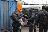 В ходе зачистки на Центральном рынке Тулы задержаны 350 человек, Фото: 7