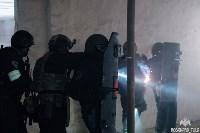 Учения: В Тульской области СОБР и ОМОН обезвредили вооруженных преступников, Фото: 3