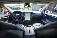 Владелец первого электромобиля Tesla рассказал, почему теперь не хочет ездить на других машинах, Фото: 7