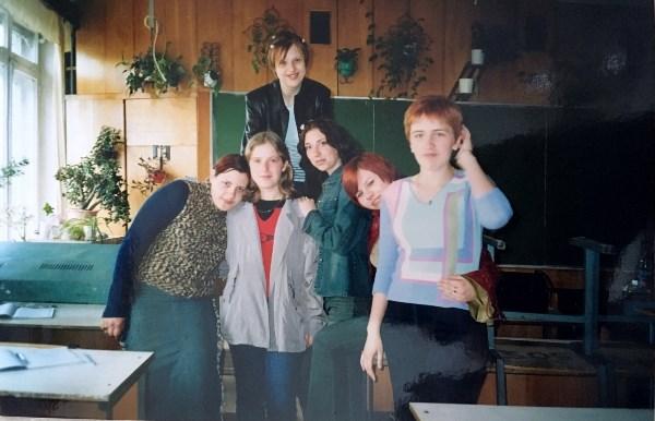 С одногруппницами. я крайняя справа))