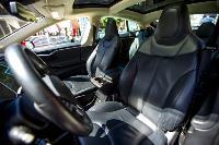 Владелец первого электромобиля Tesla рассказал, почему теперь не хочет ездить на других машинах, Фото: 15