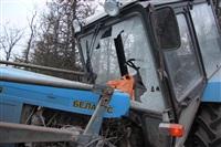 На въезде в Тулу трактор протаранил внедорожник, Фото: 7