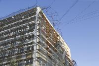 В Туле со здания ТулГУ сильный ветер снес строительные леса, Фото: 8