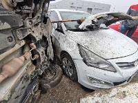 В Туле Volkswagen вылетел с дороги и приземлился на Hyundai, Фото: 3