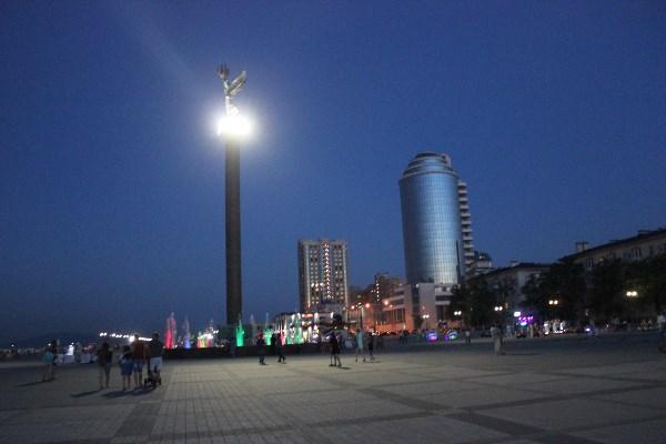Вечерний Новороссийск! Фонтан на набережной.