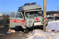 """На трассе М2 автомобиль """"скорой"""" столкнулся с автовозом., Фото: 3"""