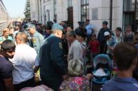Сотрудники МЧС встретили беженцев на Московском вокзале 28 июля 2014 год, Фото: 4