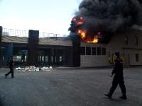 Загорелся недостроенный ТЦ на Красноармейском проспекте, Фото: 28