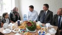 Вручение ключей от новых квартир переселенцев из аварийного жилья в Донском, Фото: 9