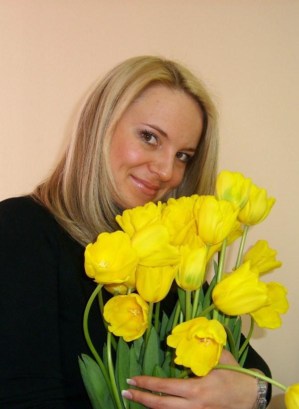 Желтые тюльпаны.... о-о-о-о, ни разу не вестники разлуки!!!))))
