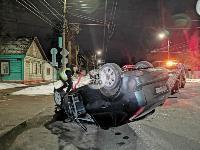 На ул. Болдина в Туле перевернулся Ford, Фото: 1