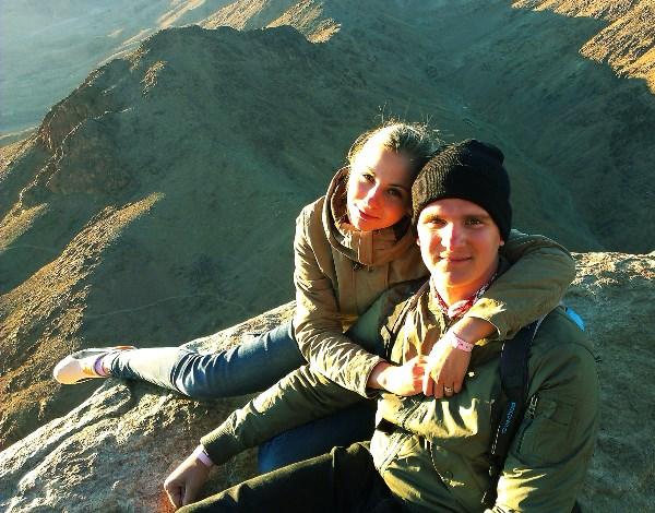 На вершине горы Синай, 2285 метров над уровнем моря.