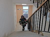 Тульские пожарные провели соревнования по бегу на 22-этаж, Фото: 31