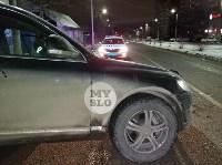 На ул. Вильямса в Туле у Volkswagen Touareg оторвало колесо, Фото: 12