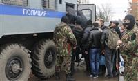 В ходе зачистки на Центральном рынке Тулы задержаны 350 человек, Фото: 29