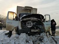 В Туле водитель бетономешалки и военные потушили горящую на трассе ГАЗель, Фото: 3