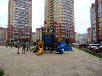 не наодной детской площадке нет надписи..подарок от губера!! это обязанность застройщика и УК, Фото: 46