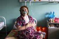 В положении на животе пациенты проводят до 16 часов в сутки. Тяжело, зато помогает выздороветь., Фото: 3
