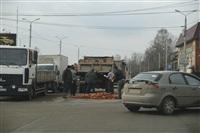 На Рязанской на дорогу рассыпалась гора кирпича, Фото: 5