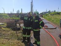 Крупный пожар на предприятии: в Узловой с огнем на АО «Пластик» борются 72 человека, Фото: 2