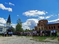 Жуткое ДТП в Суворове: проститься с погибшим полицейским пришли сотни человек, Фото: 23