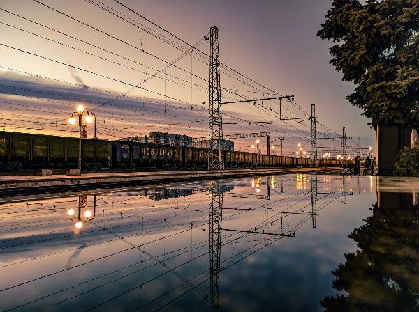 Московский вокзал в зазеркалье