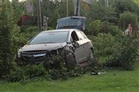 """В Туле """"Opel"""" перелетел бордюр и протаранил припаркованный """"Infiniti"""", Фото: 11"""