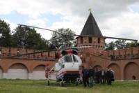 В кремле приземлился вертолет, который установит шпиль колокольни, Фото: 8