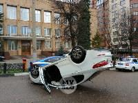 В центре Тулы машина спецсвязи попала в ДТП с «перевертышем», Фото: 10