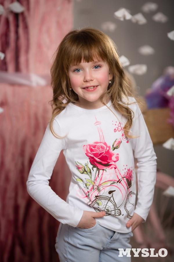Аня Елагина, 7 лет