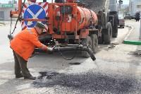 В Туле проводят аварийно-восстановительный ремонт дорог методом пневмонабрызга, Фото: 2