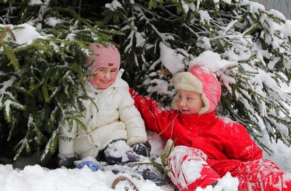 Хорошо поваляться в снегу!