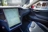 Владелец первого электромобиля Tesla рассказал, почему теперь не хочет ездить на других машинах, Фото: 13