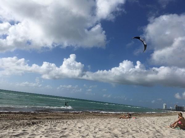 Кайтсёрфер в Майами
