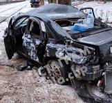 В Туле водитель Volvo снес остановку и протаранил дерево , Фото: 2
