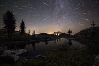 Персеиды в небе над горой Шаста в Калифорнии, США. ФОТО: BRAD GOLDPAINT, Фото: 10