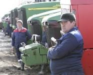 Алексей Дюмин обсудил с тульскими сельхозпроизводителями развитие молочного животноводства, Фото: 15
