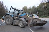 На въезде в Тулу трактор протаранил внедорожник, Фото: 9