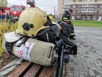 Тульские пожарные провели соревнования по бегу на 22-этаж, Фото: 37