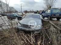 В Туле Mercedes повалил фонарный столб, Фото: 1