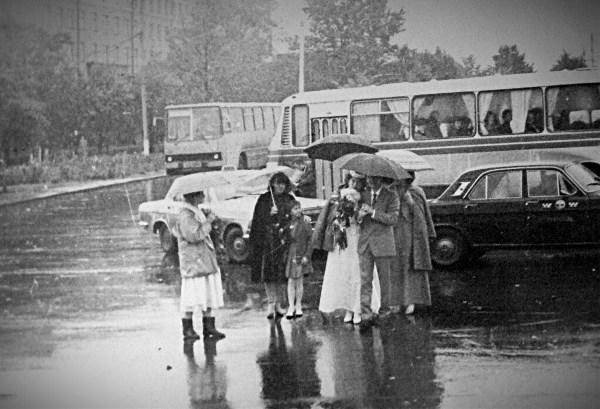 Нам не страшны ни дождь, ни слякоть...