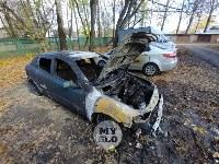 Ночной пожар в Петелино: огонь повредил три автомобиля, Фото: 2