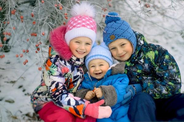 Зимние ягодки Ваня, Лиза, Лёня.