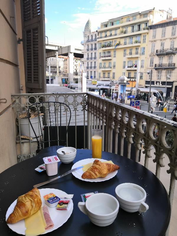 завтрак в Ницце