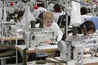 В Дубенском районе Алексей Дюмин осмотрел швейную фабрику, Фото: 12