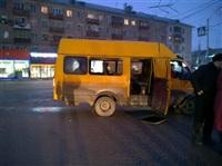 ДТП с двумя маршрутками на пересечении ул. Советской и Красноармейского пр. 06.03.2014, Фото: 5