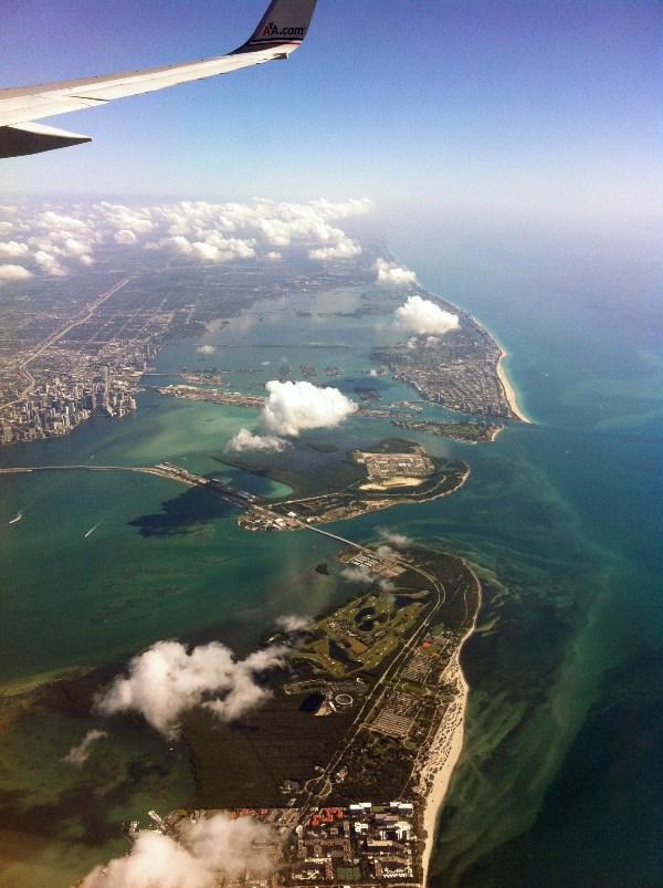 Океан в Майами, вид с неба.