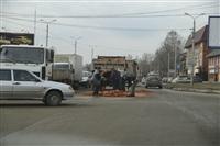 На Рязанской на дорогу рассыпалась гора кирпича, Фото: 2