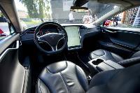 Владелец первого электромобиля Tesla рассказал, почему теперь не хочет ездить на других машинах, Фото: 6