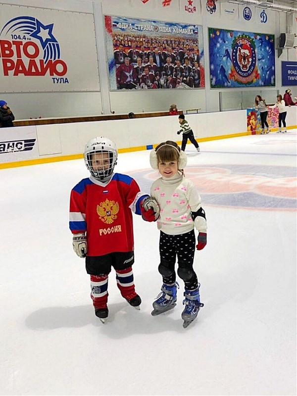 сладкая парочка хоккеист & фигуристка